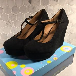 Soda Windy-S Black Wedge Heel
